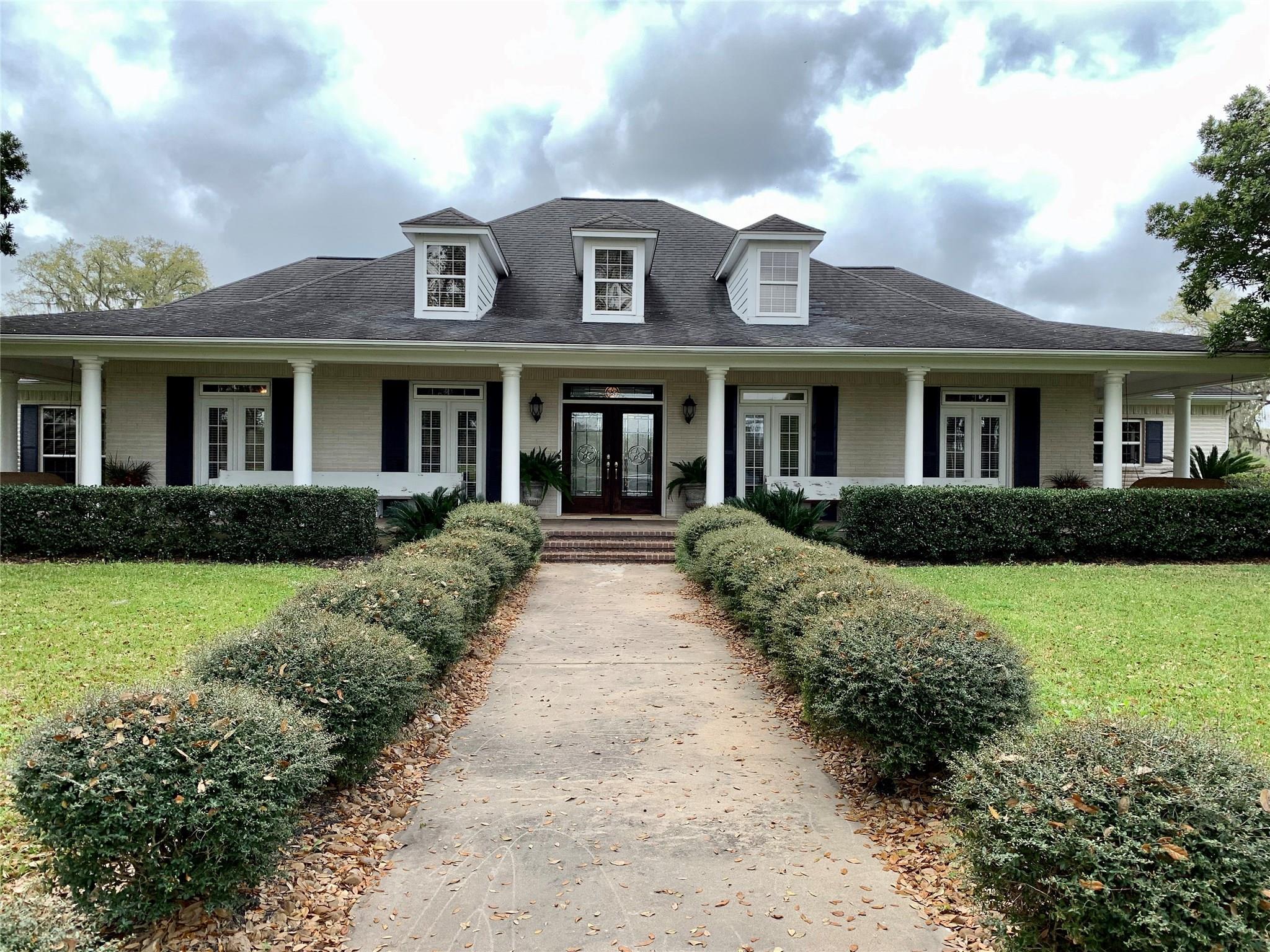 3251 County Road 352 Property Photo - Brazoria, TX real estate listing