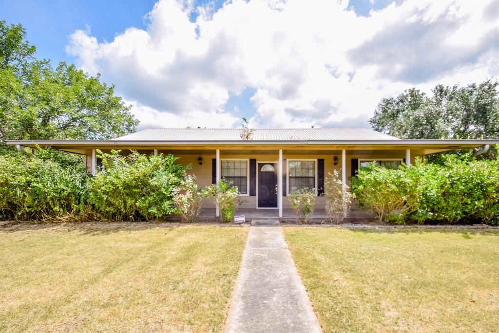 203 W Tobias Road, Ellinger, TX 78938 - Ellinger, TX real estate listing