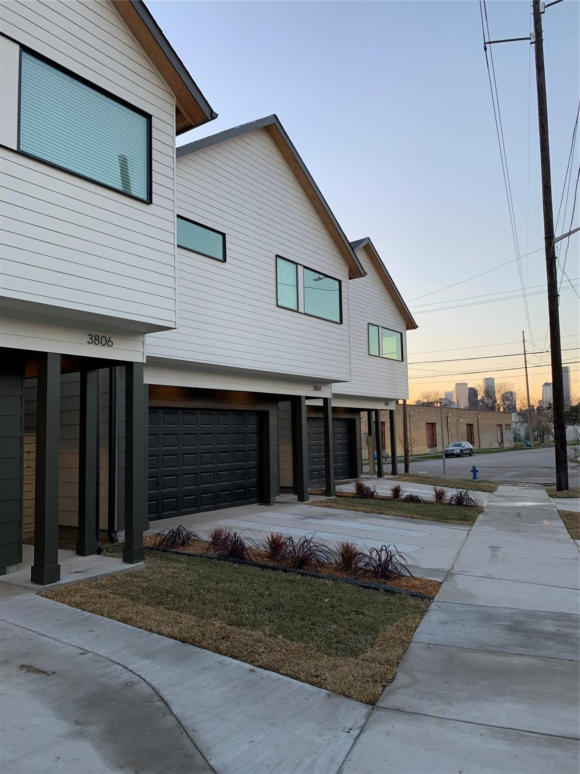 3802 Commerce Street Property Photo - Houston, TX real estate listing