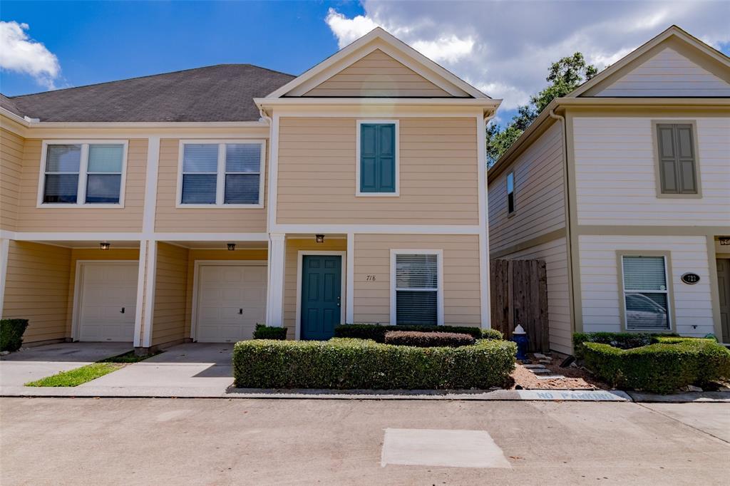 718 Redwing Park Drive Property Photo - Houston, TX real estate listing