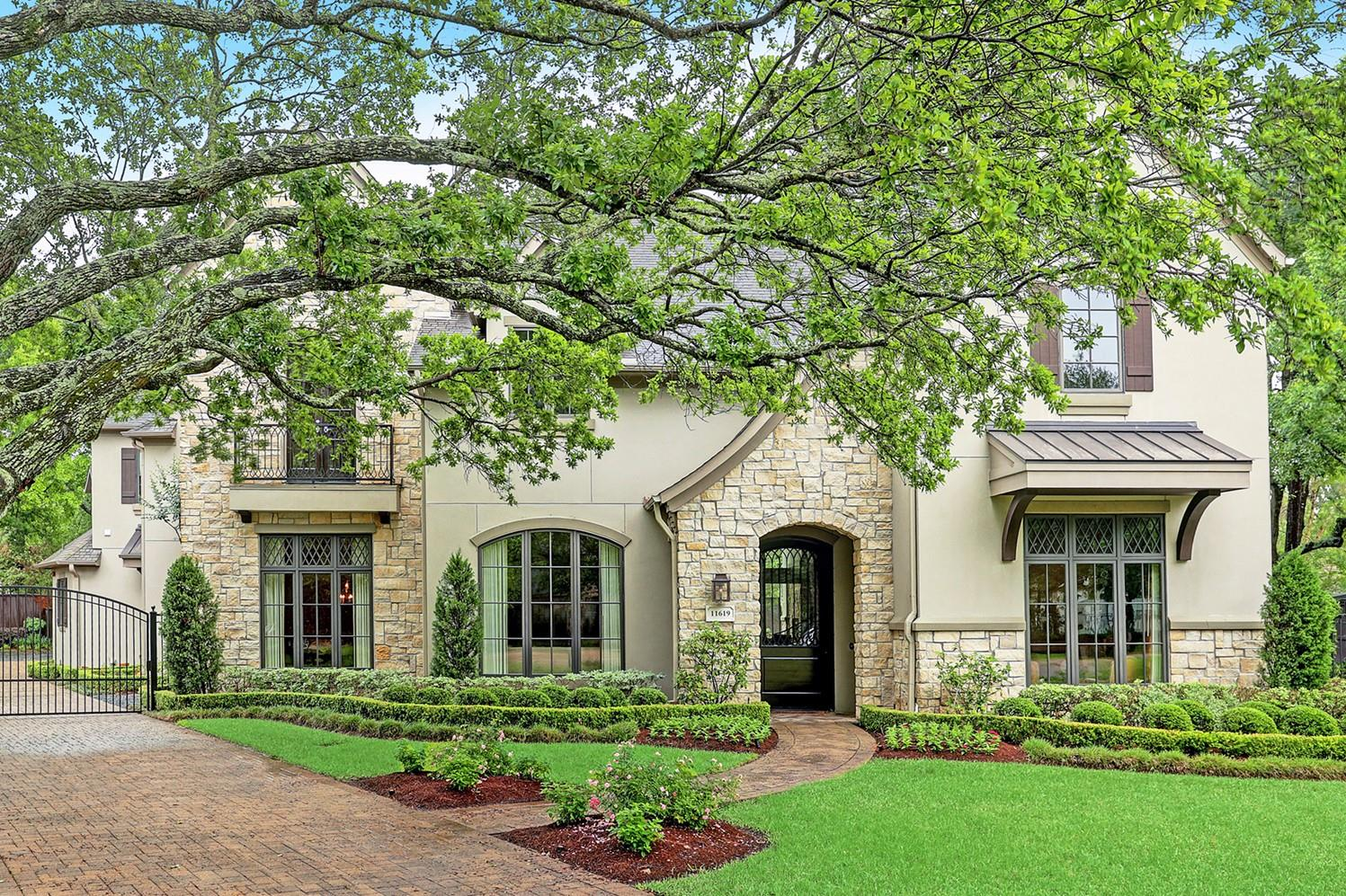 11619 Chartwell Court Property Photo - Bunker Hill Village, TX real estate listing
