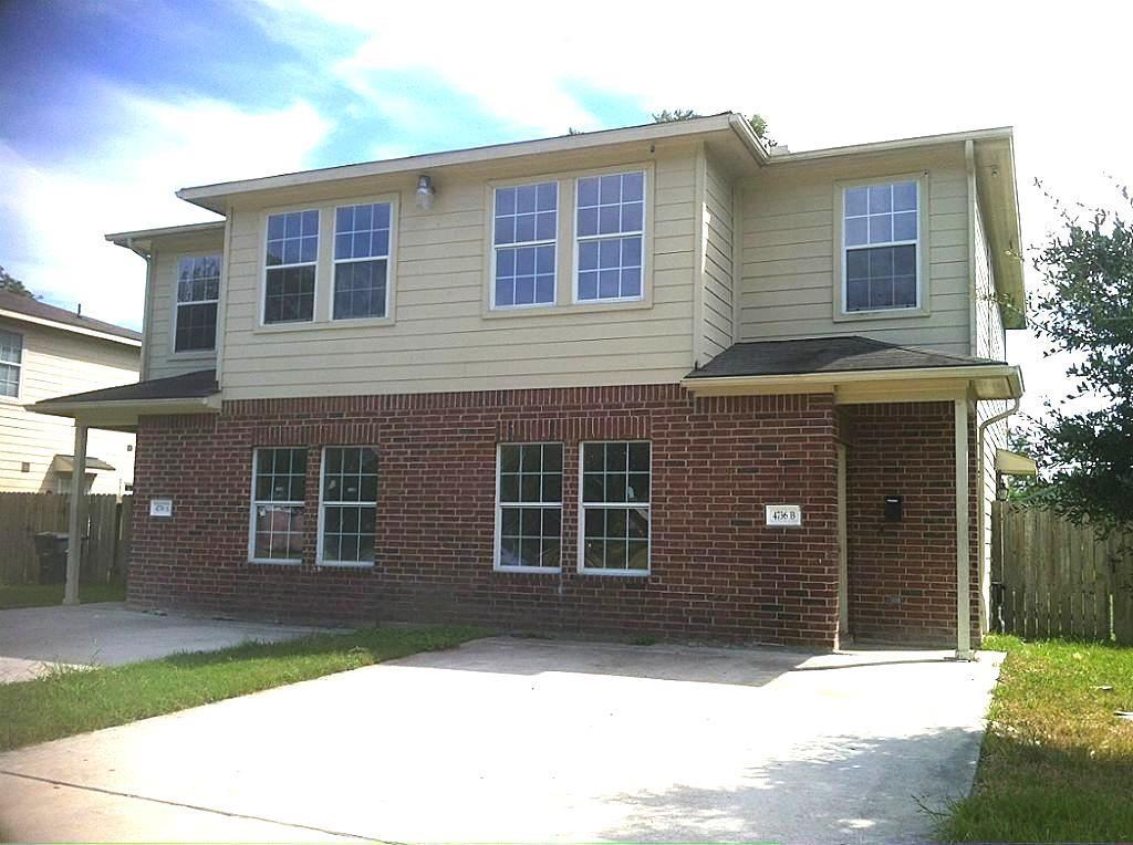 4736 Clover Street #a Property Photo