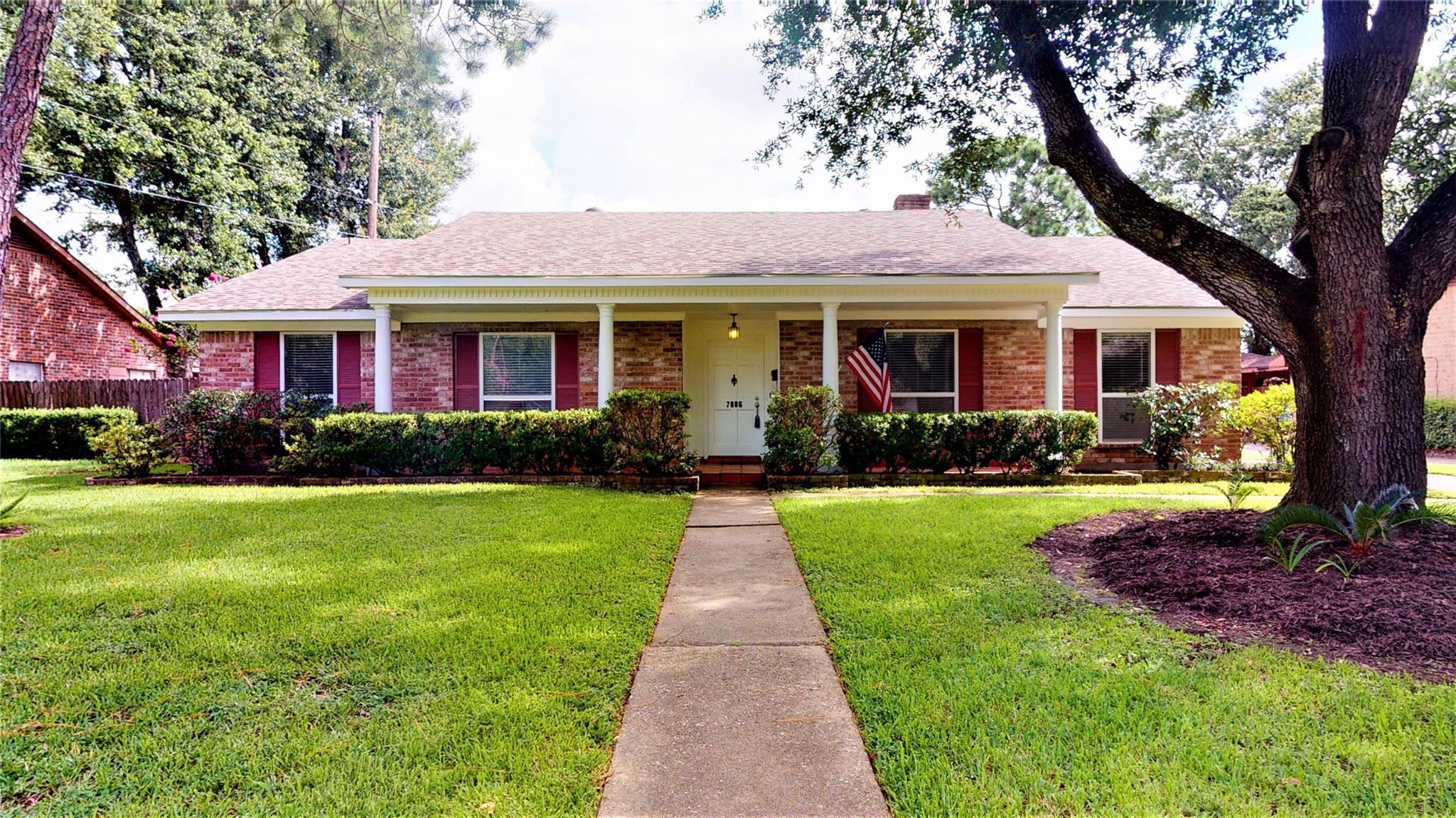 7806 Gulfton Street Property Photo