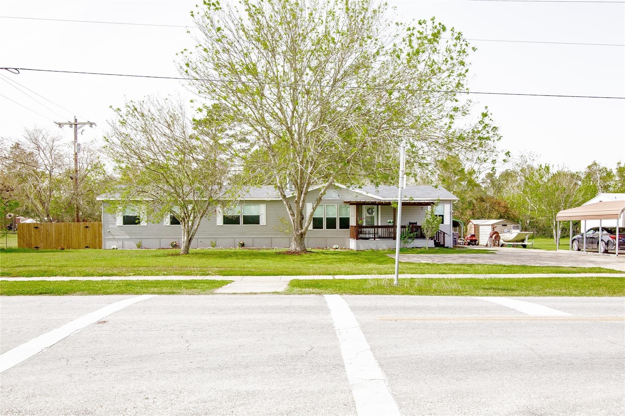 701 Glascow Street Property Photo