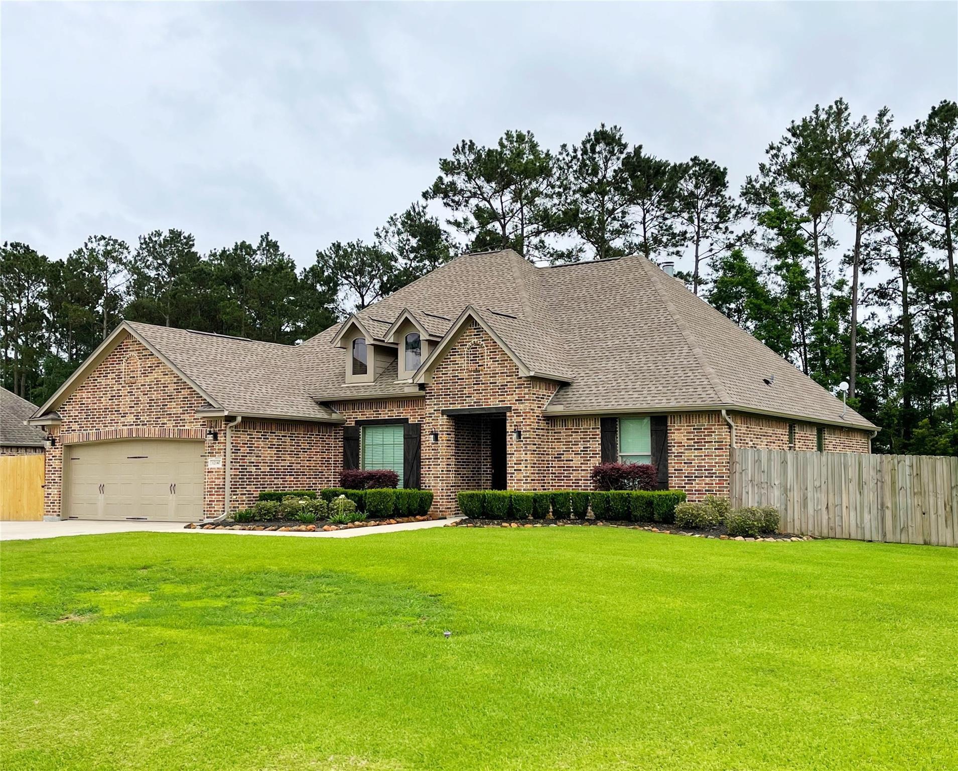 12140 Woodland Circle Property Photo