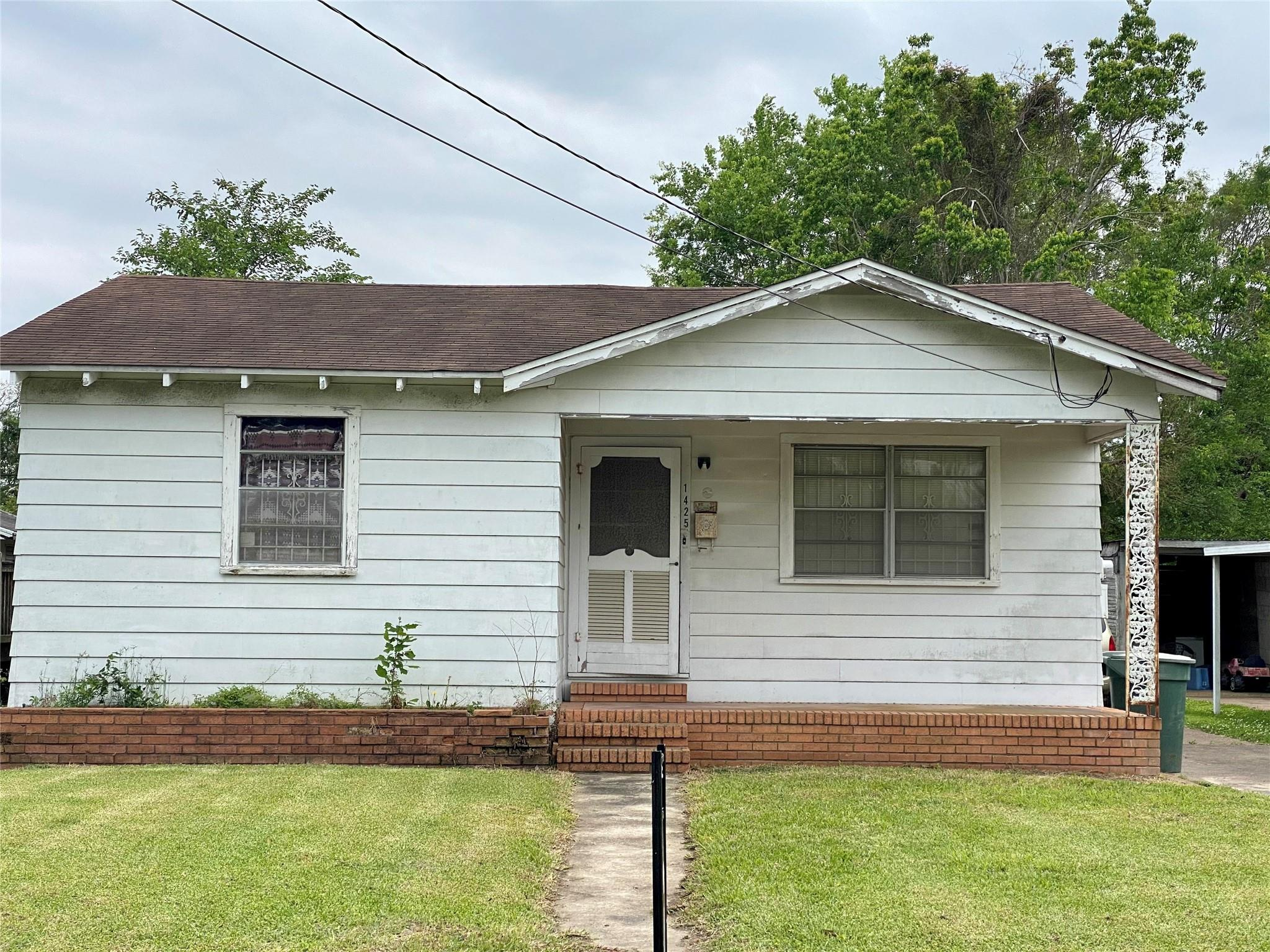 1425 Cartwright Street Property Photo
