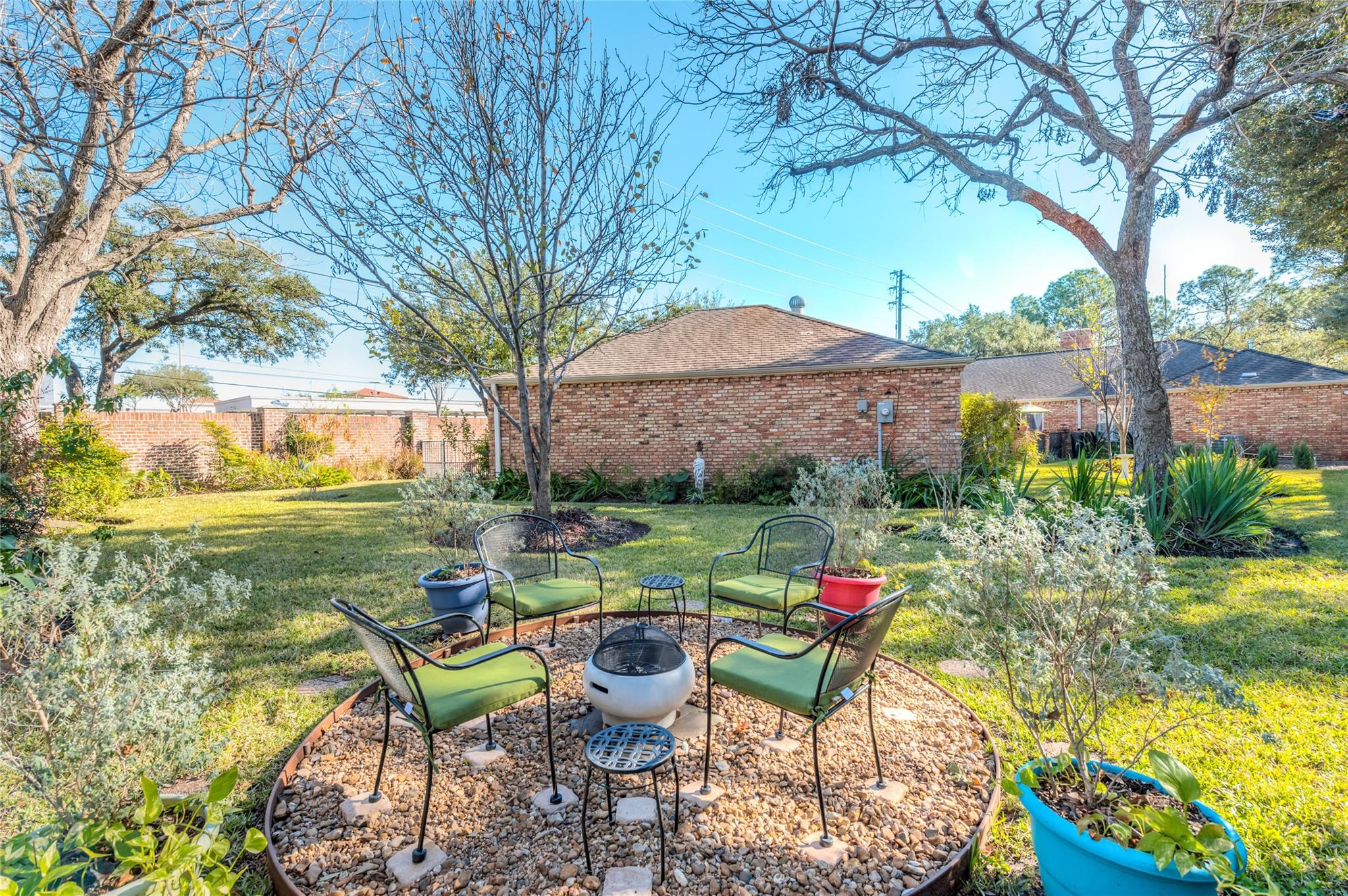 7502 Creekwood Drive Property Photo 1