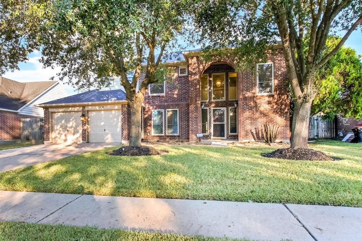 8414 Rose Garden Drive Property Photo - Houston, TX real estate listing