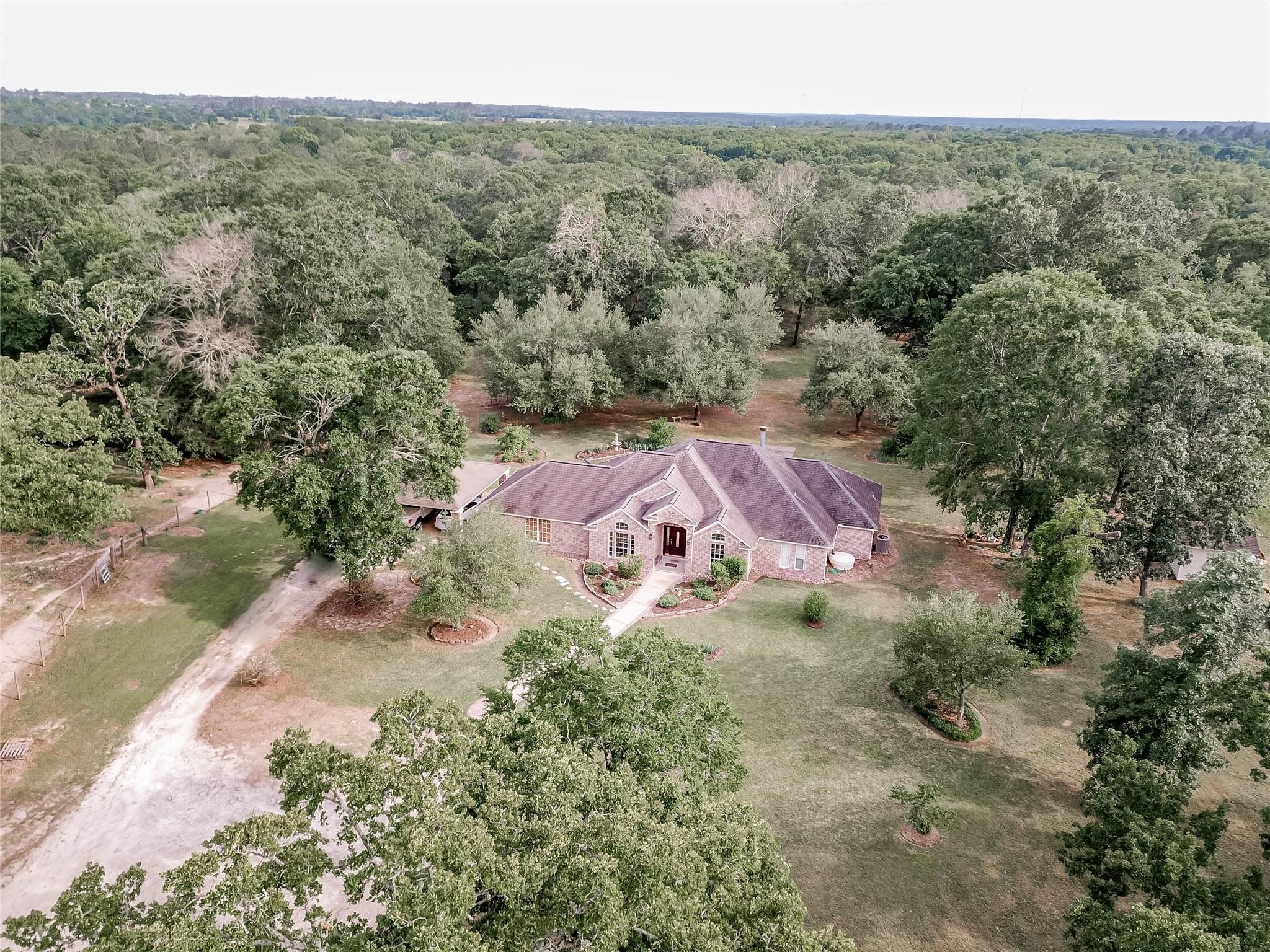 707 Wire Road Property Photo 1