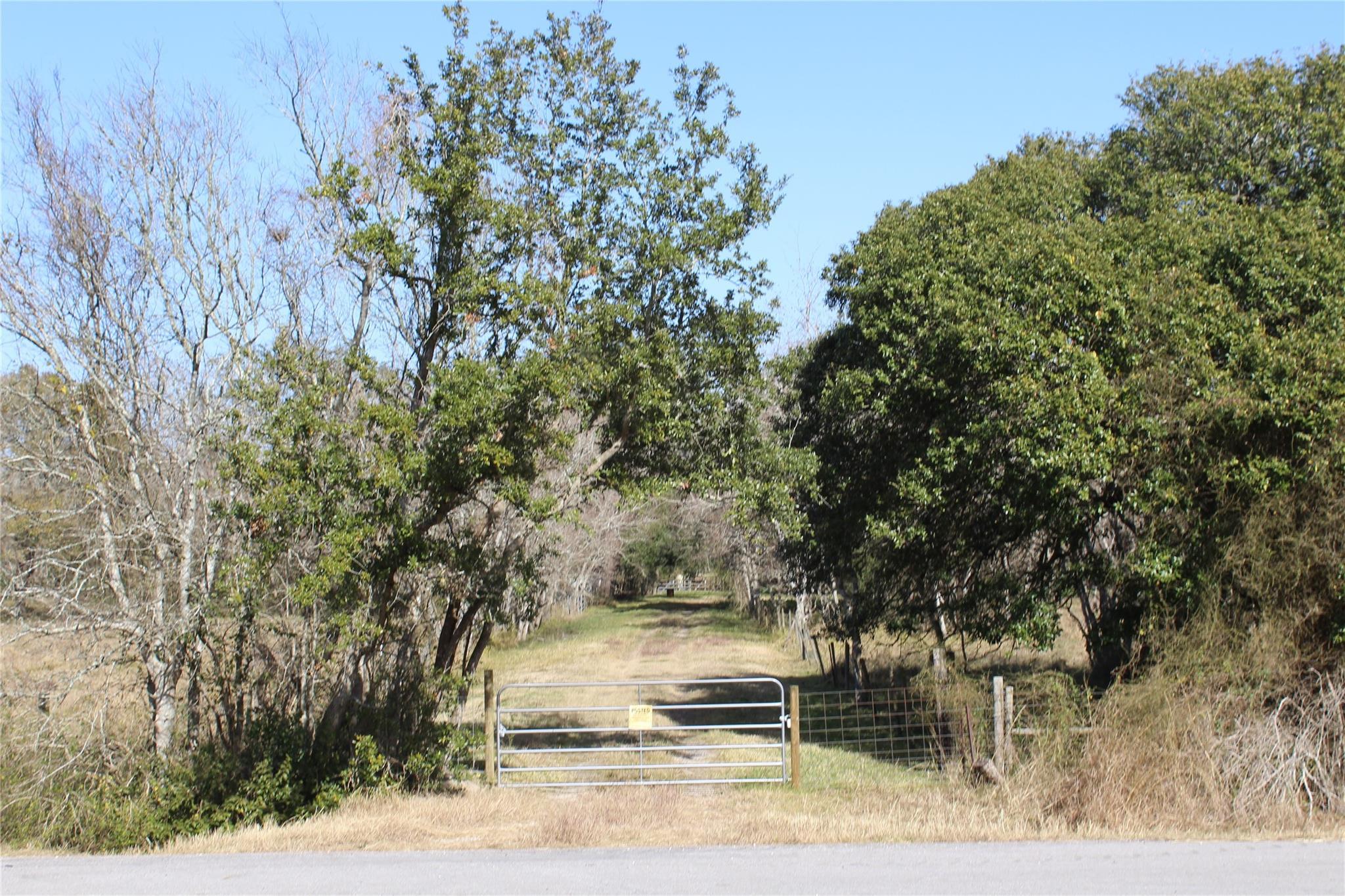 5603 FM 2917 Road Property Photo - Alvin, TX real estate listing