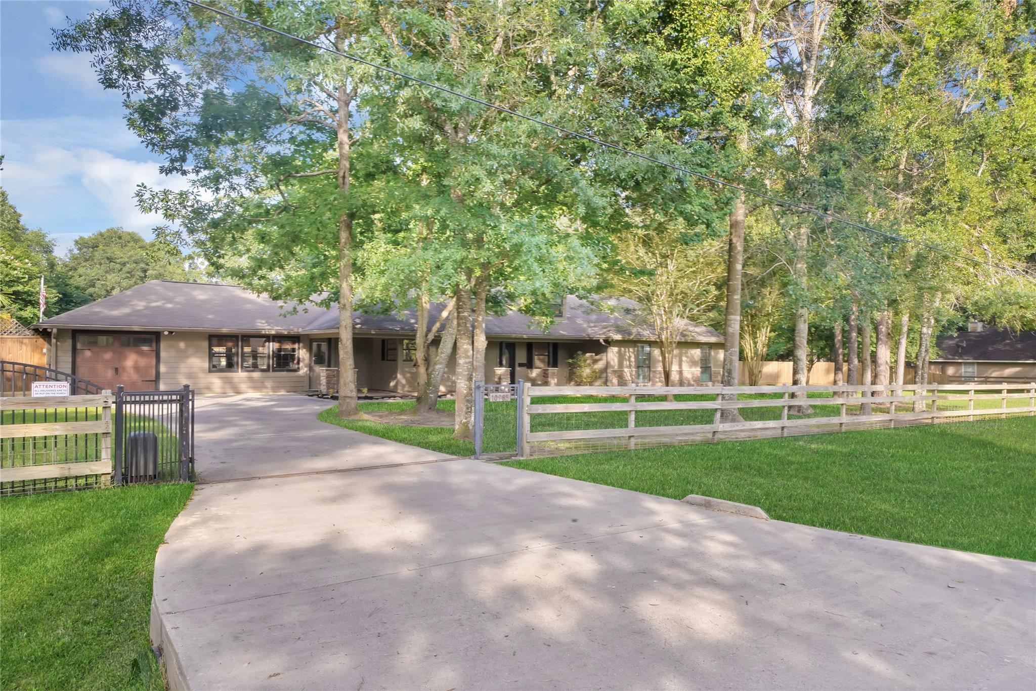10985 Woods Lane Property Photo 1