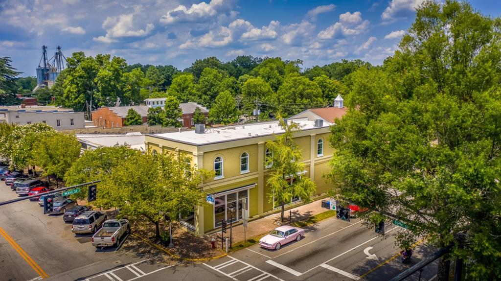111 202 W Jefferson Street #202 Property Photo - Madison, GA real estate listing