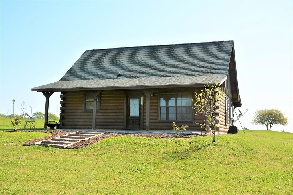 6845 Great Oaks Circle Property Photo - Burton, TX real estate listing