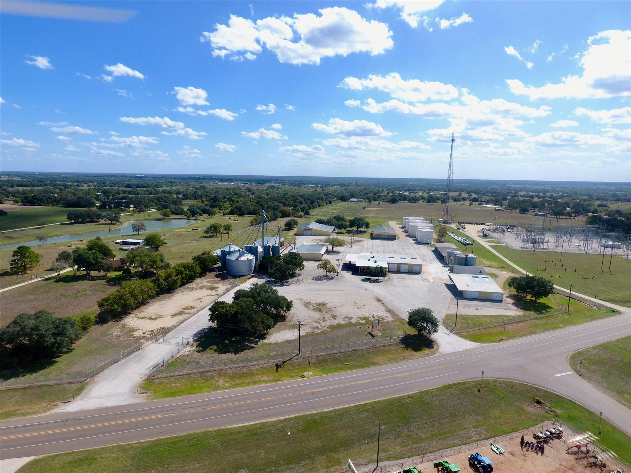 2415 US Hwy 90A W Property Photo - Hallettsville, TX real estate listing