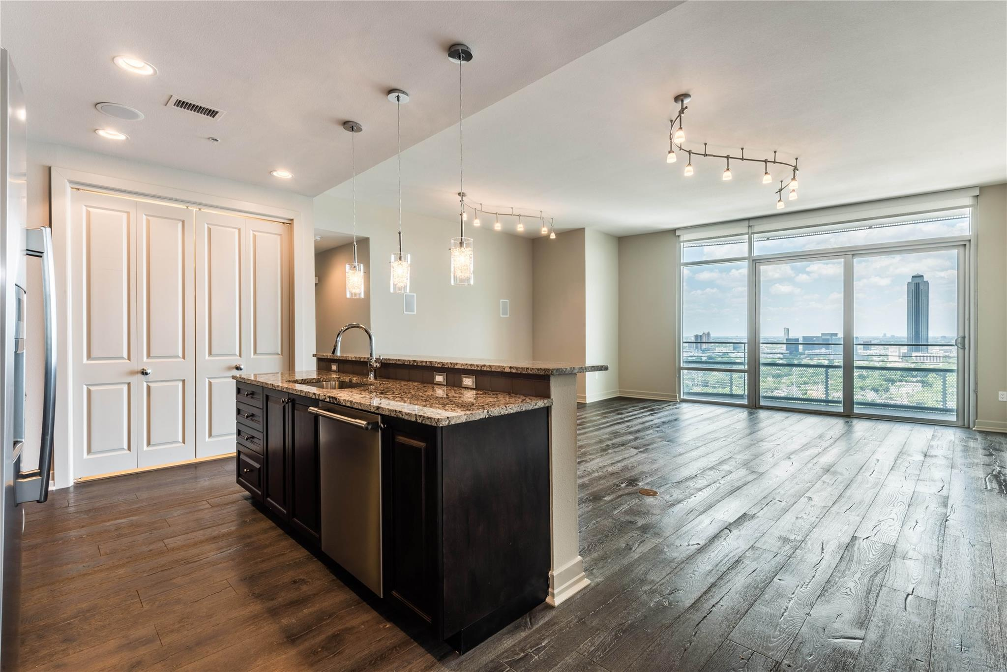 2929 Weslayan Street #1807 Property Photo - Houston, TX real estate listing