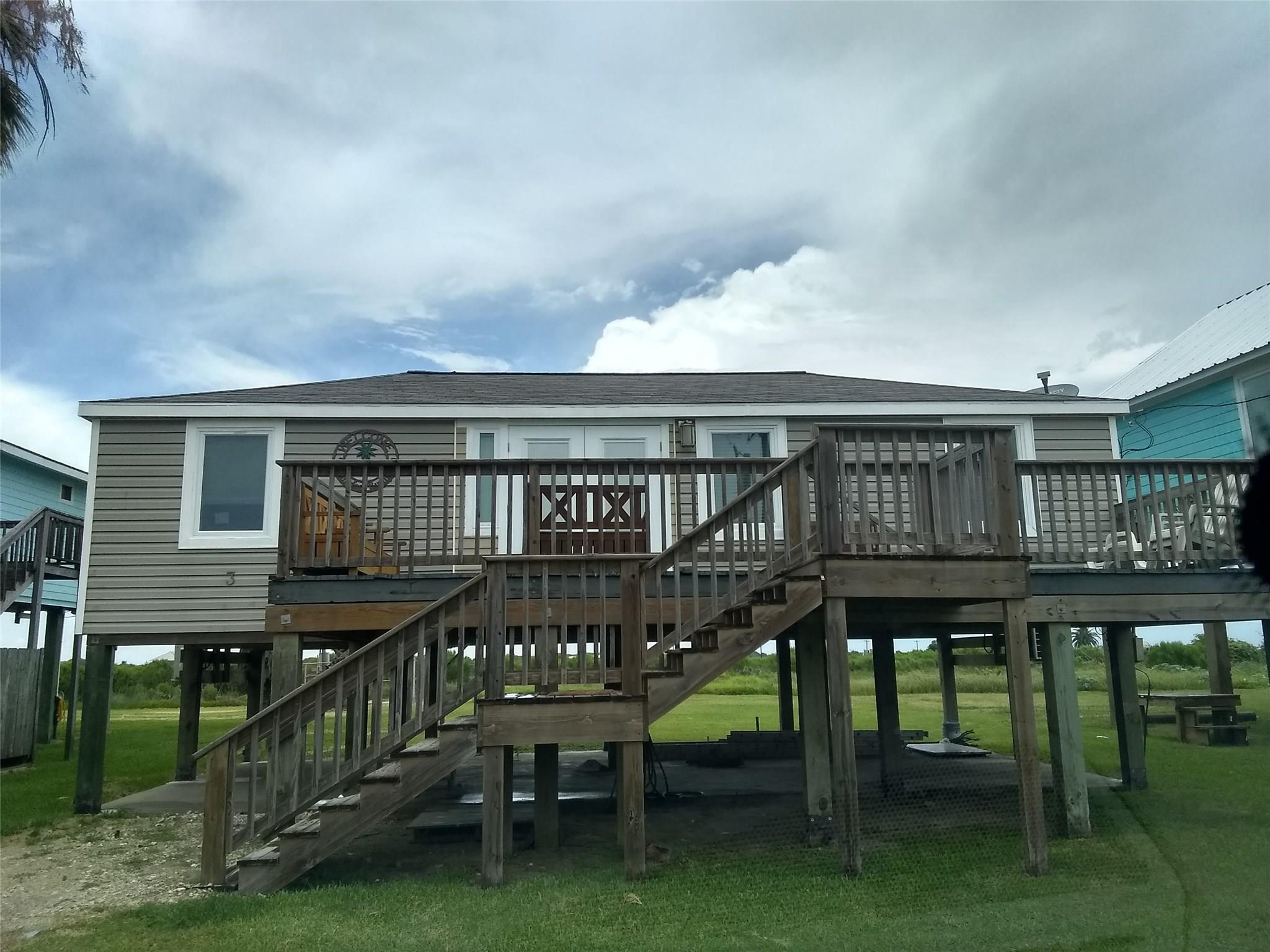 111 Beachfront Drive Property Photo - Matagorda, TX real estate listing