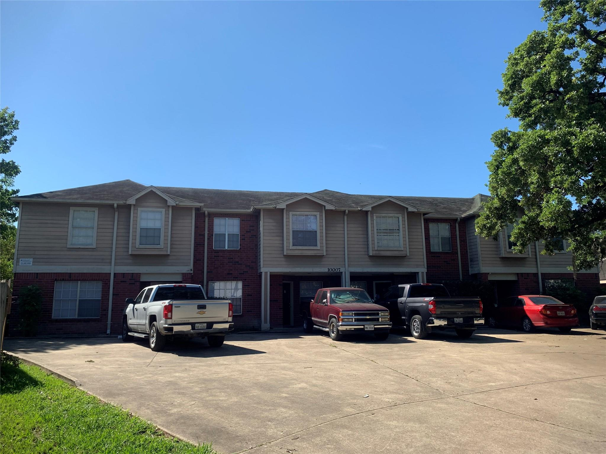 10007 Emerald Creek Drive #4 Property Photo - Houston, TX real estate listing
