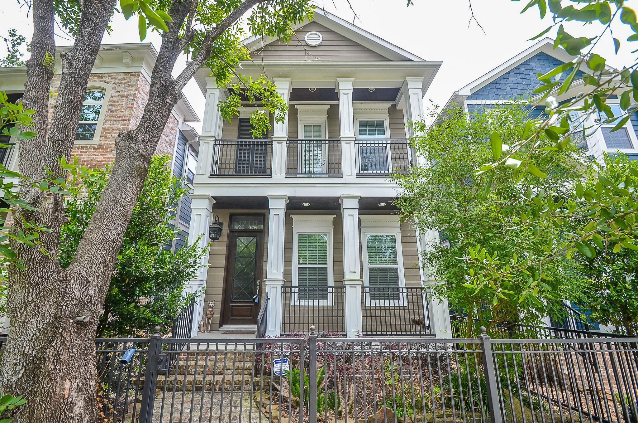 424 W 27th Street #b Property Photo