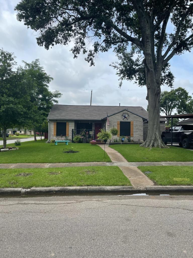 7666 Moline Street Property Photo