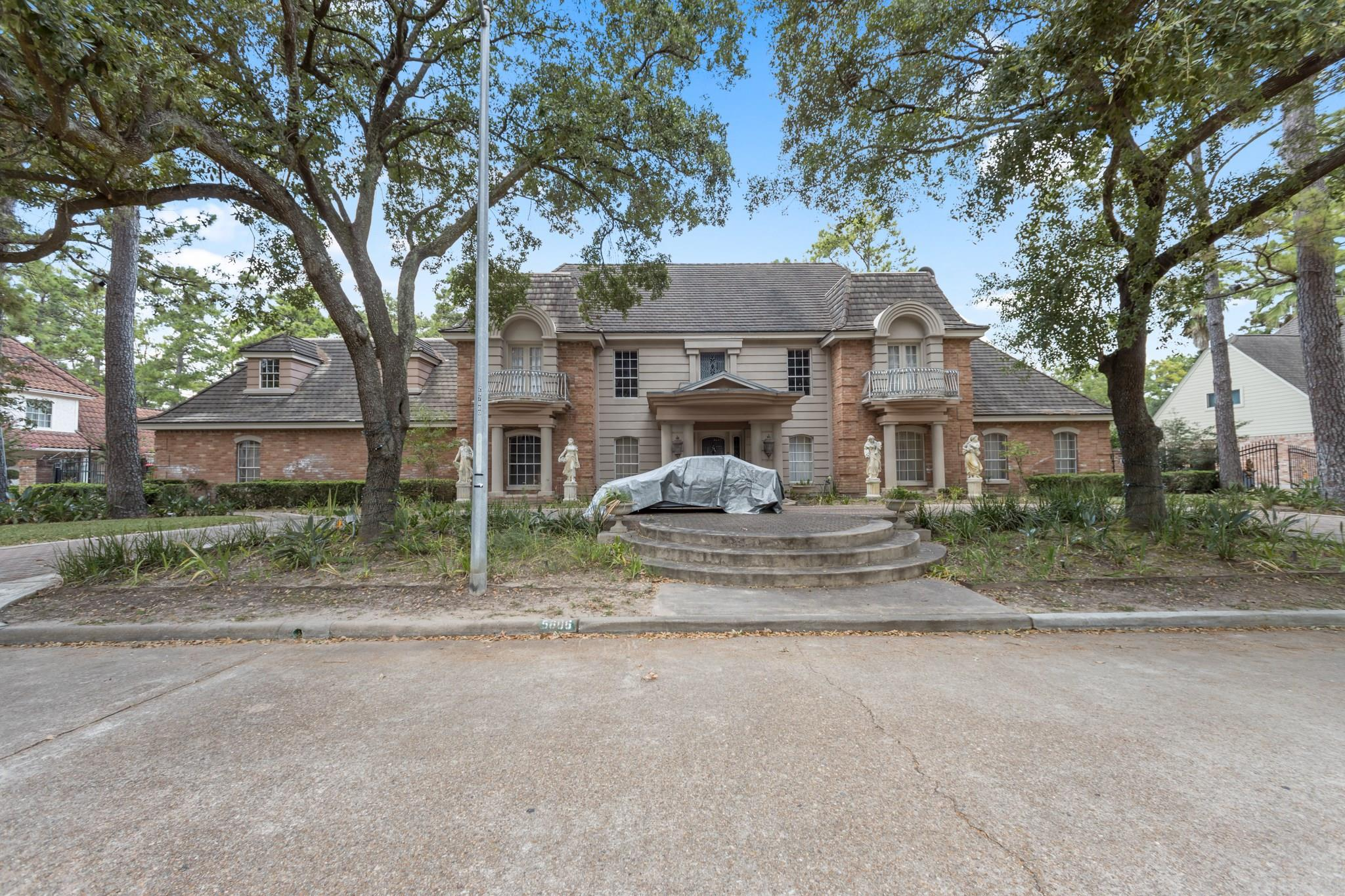 5606 Theall Road Property Photo - Houston, TX real estate listing