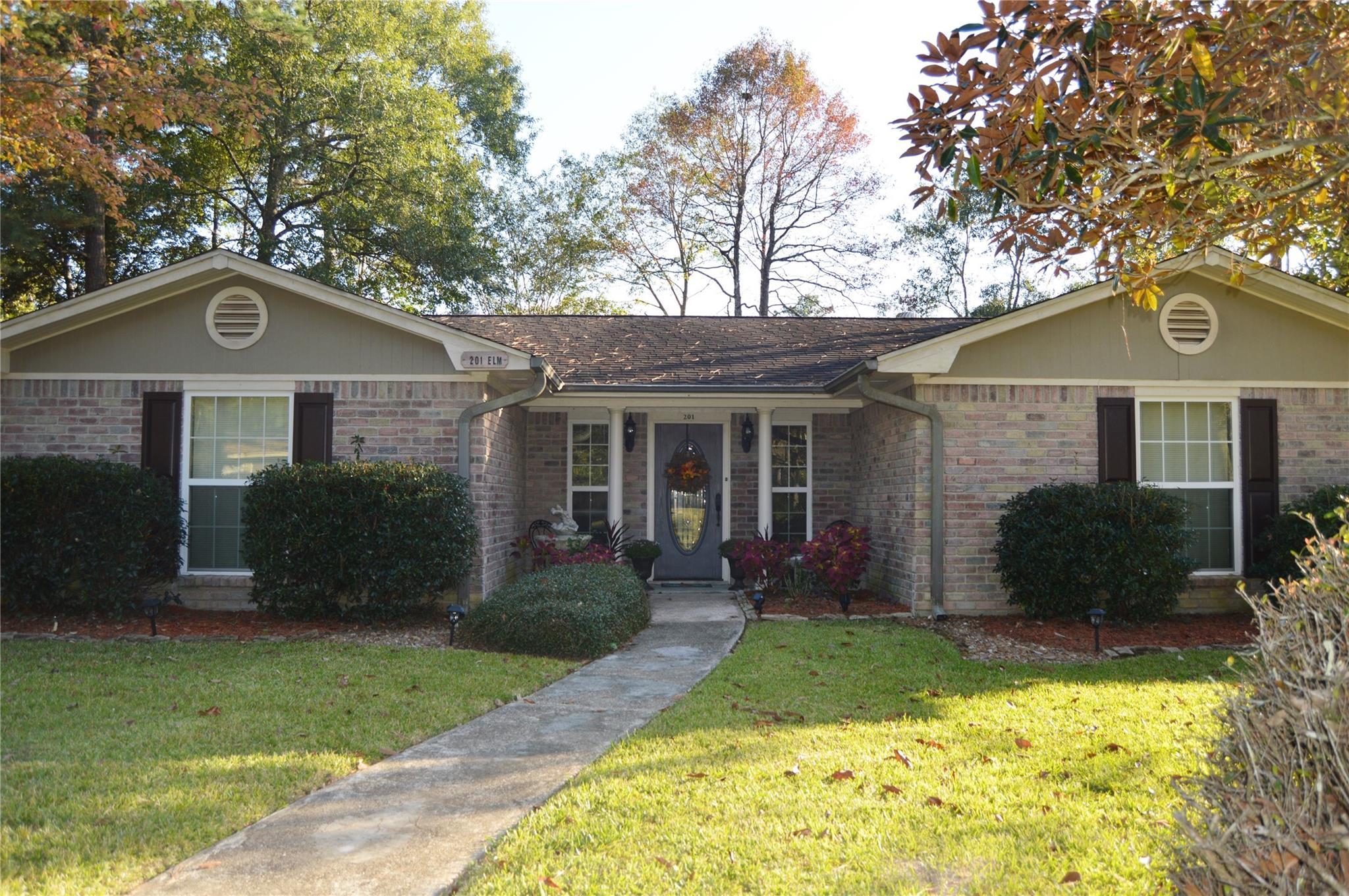 201 Elm Lane Property Photo - Village Mills, TX real estate listing