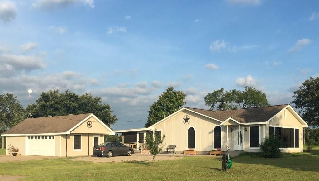 645 County Road 321 Property Photo - Jewett, TX real estate listing