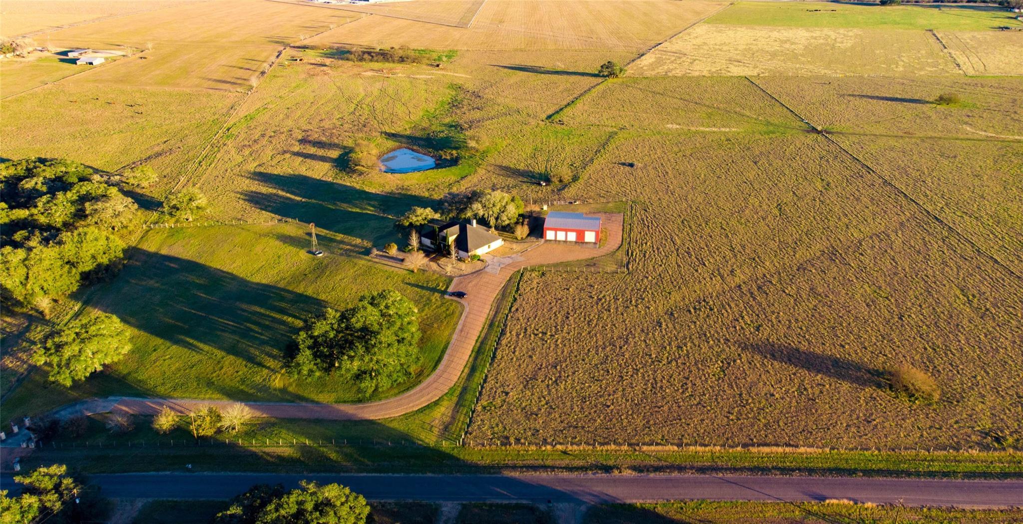 2541 County Road 315 Property Photo - Yoakum, TX real estate listing