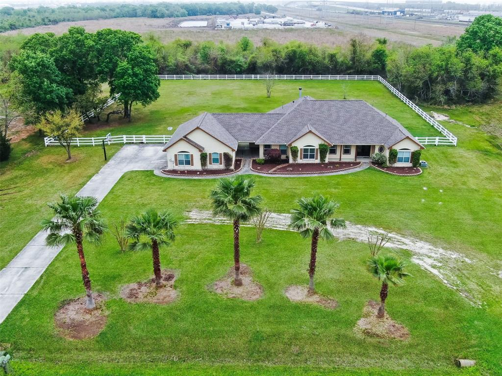 2551 Loganberry Circle, Seabrook, TX 77586 - Seabrook, TX real estate listing