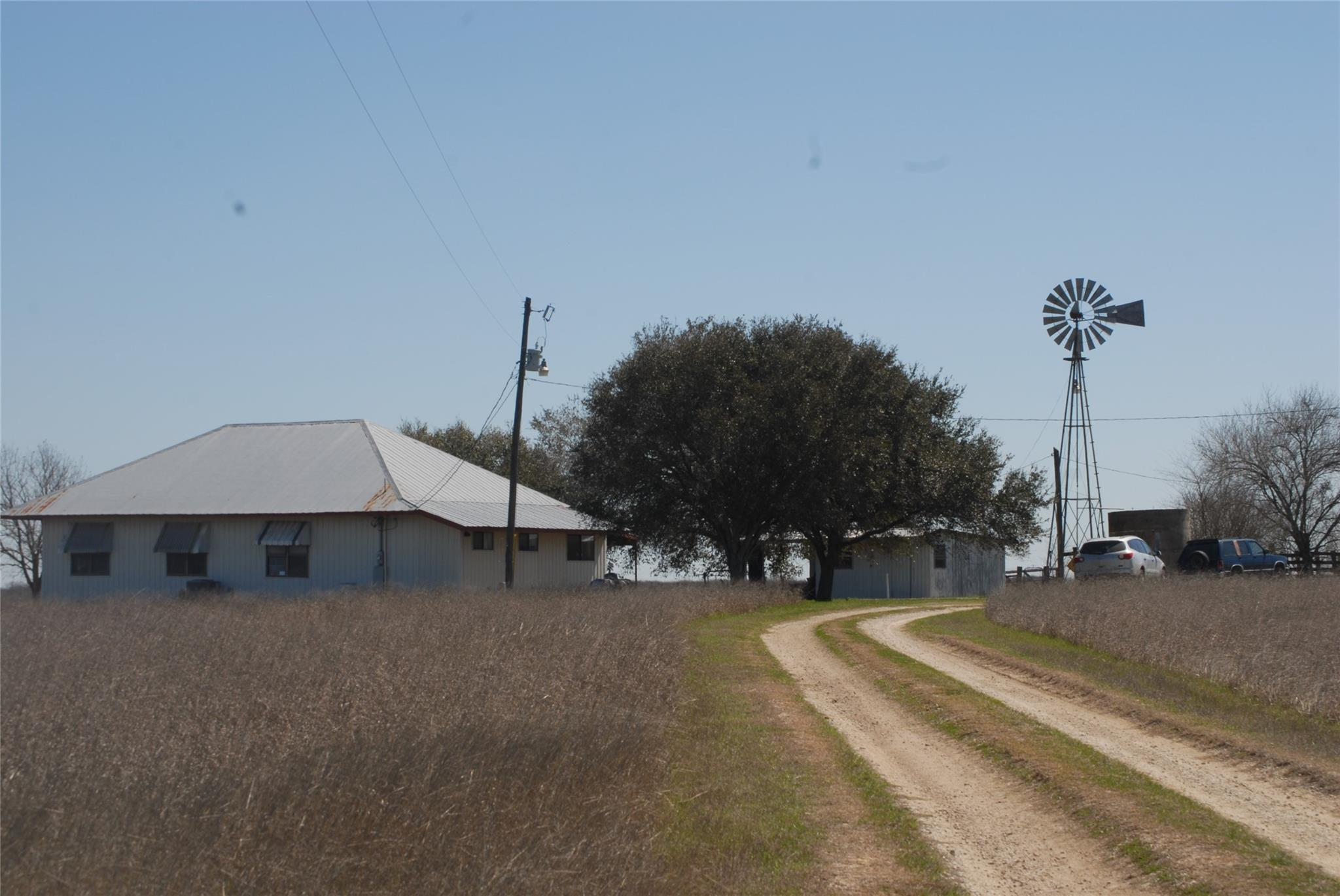 5591 E CR 284 Road Property Photo - Gonzales, TX real estate listing