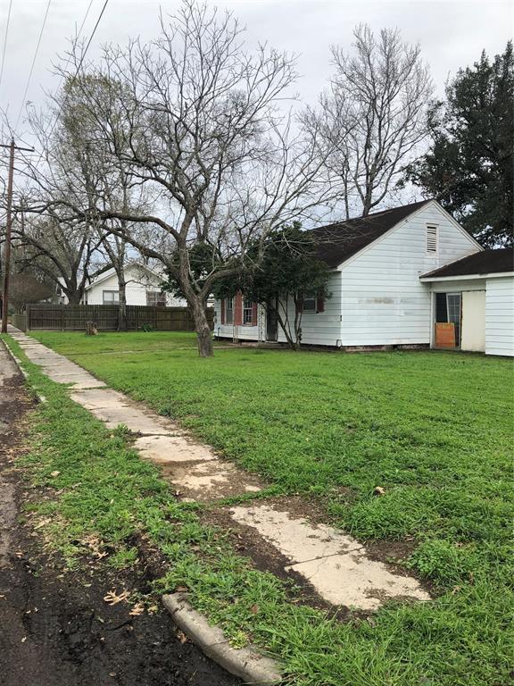 900 E 5th Street, Hallettsville, TX 77964 - Hallettsville, TX real estate listing