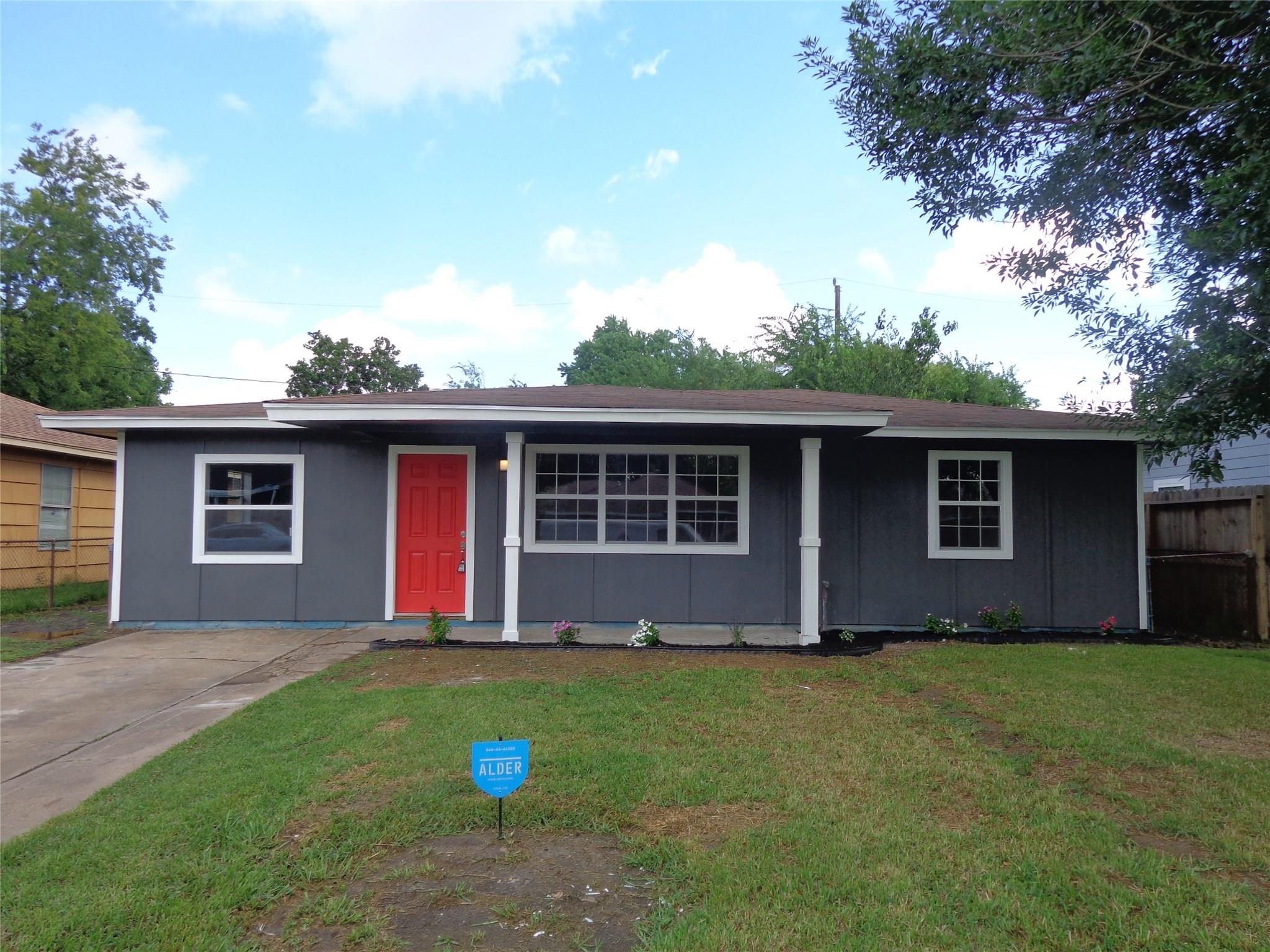 2505 9th Street Property Photo - Galena Park, TX real estate listing