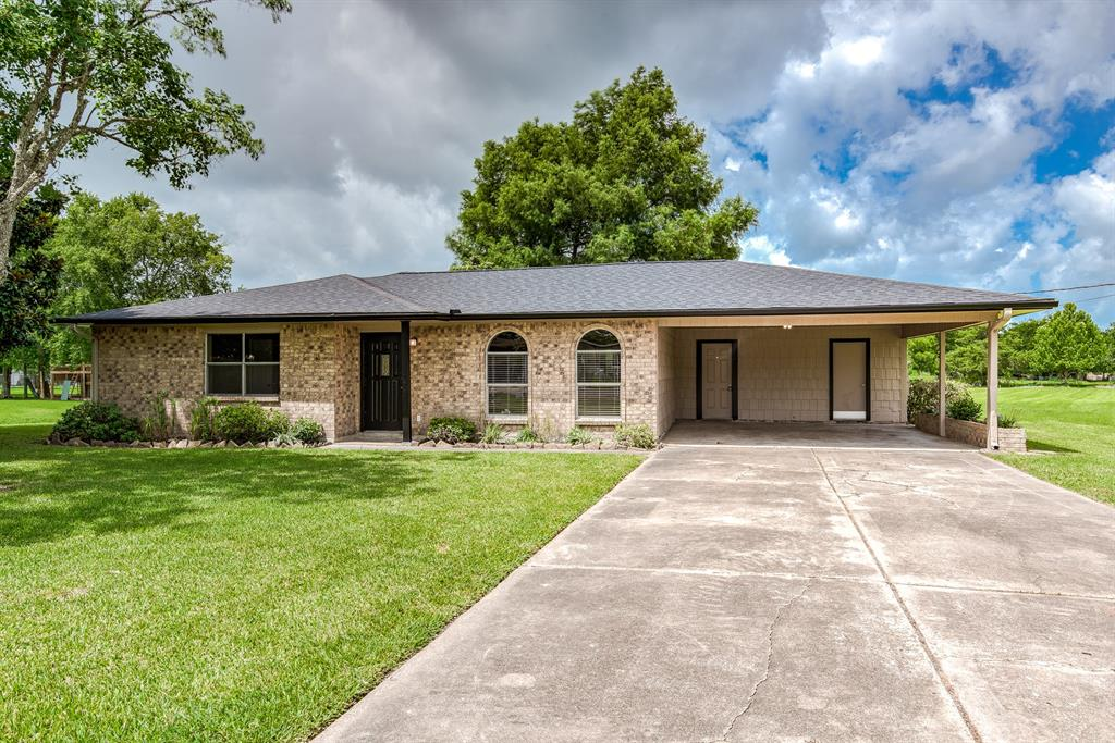 2701 County Road 950 Property Photo - Alvin, TX real estate listing