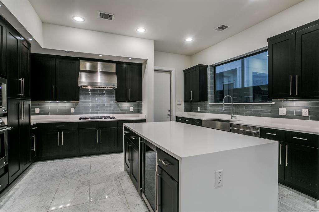 1503 Sabine Street Property Photo
