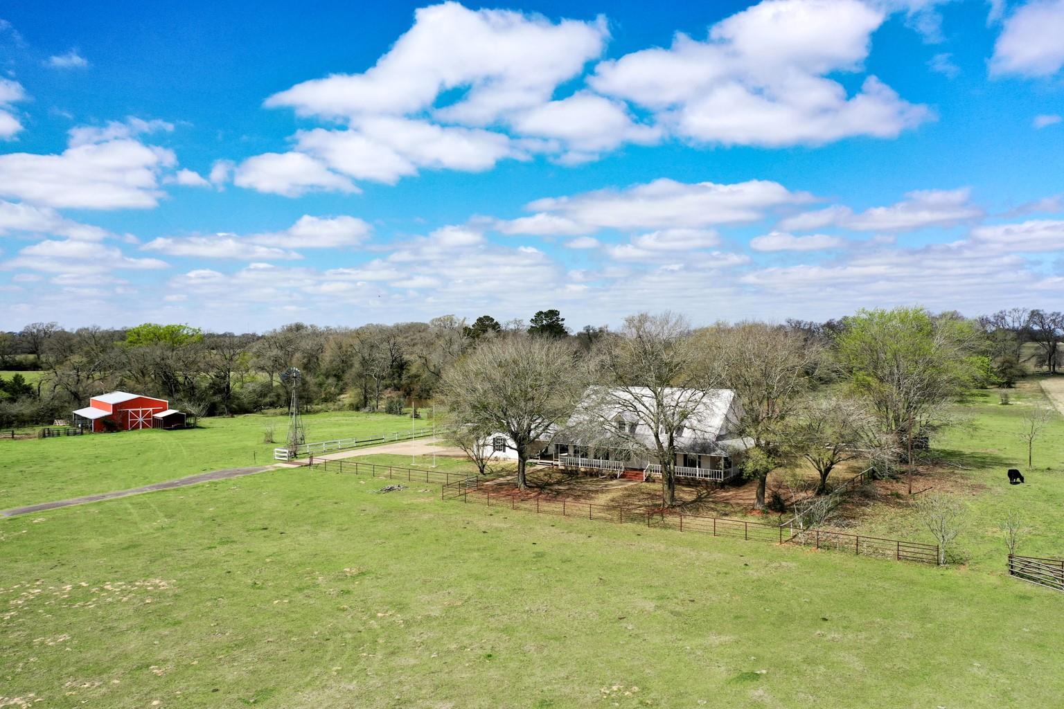 5653 Fm 977 W Property Photo