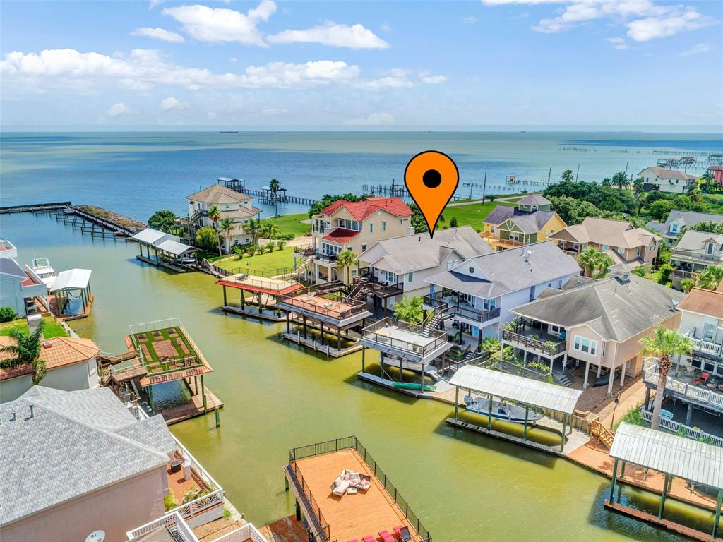 112 Starboard Drive Property Photo - San Leon, TX real estate listing