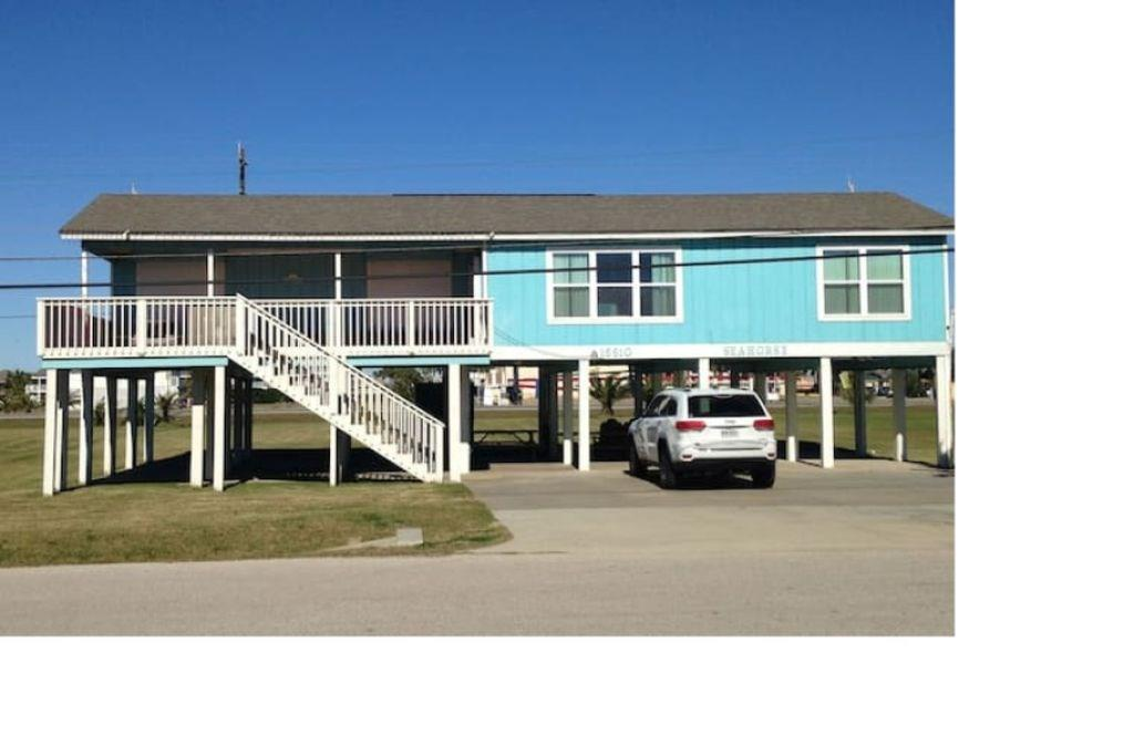 16610 Jamaica Beach Road Property Photo