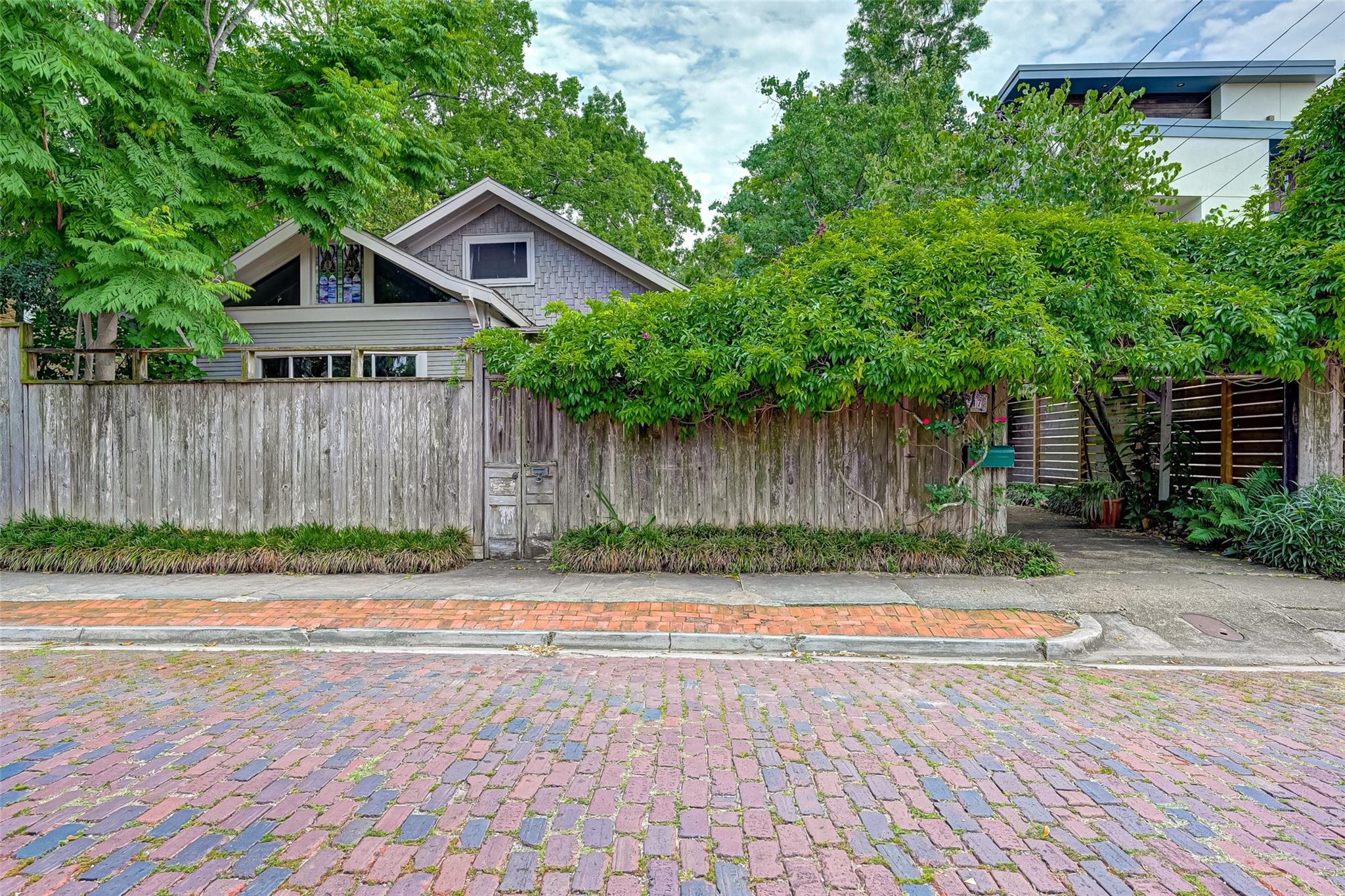 1517 Indiana Street Property Photo