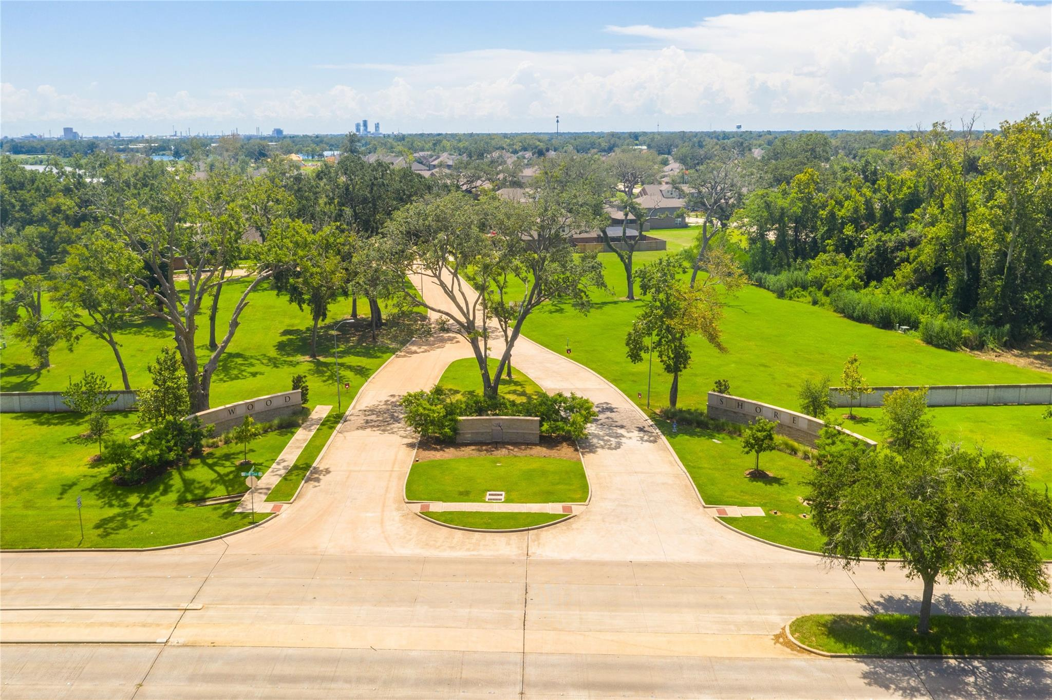 217 Bentwater Lane Property Photo - Clute, TX real estate listing
