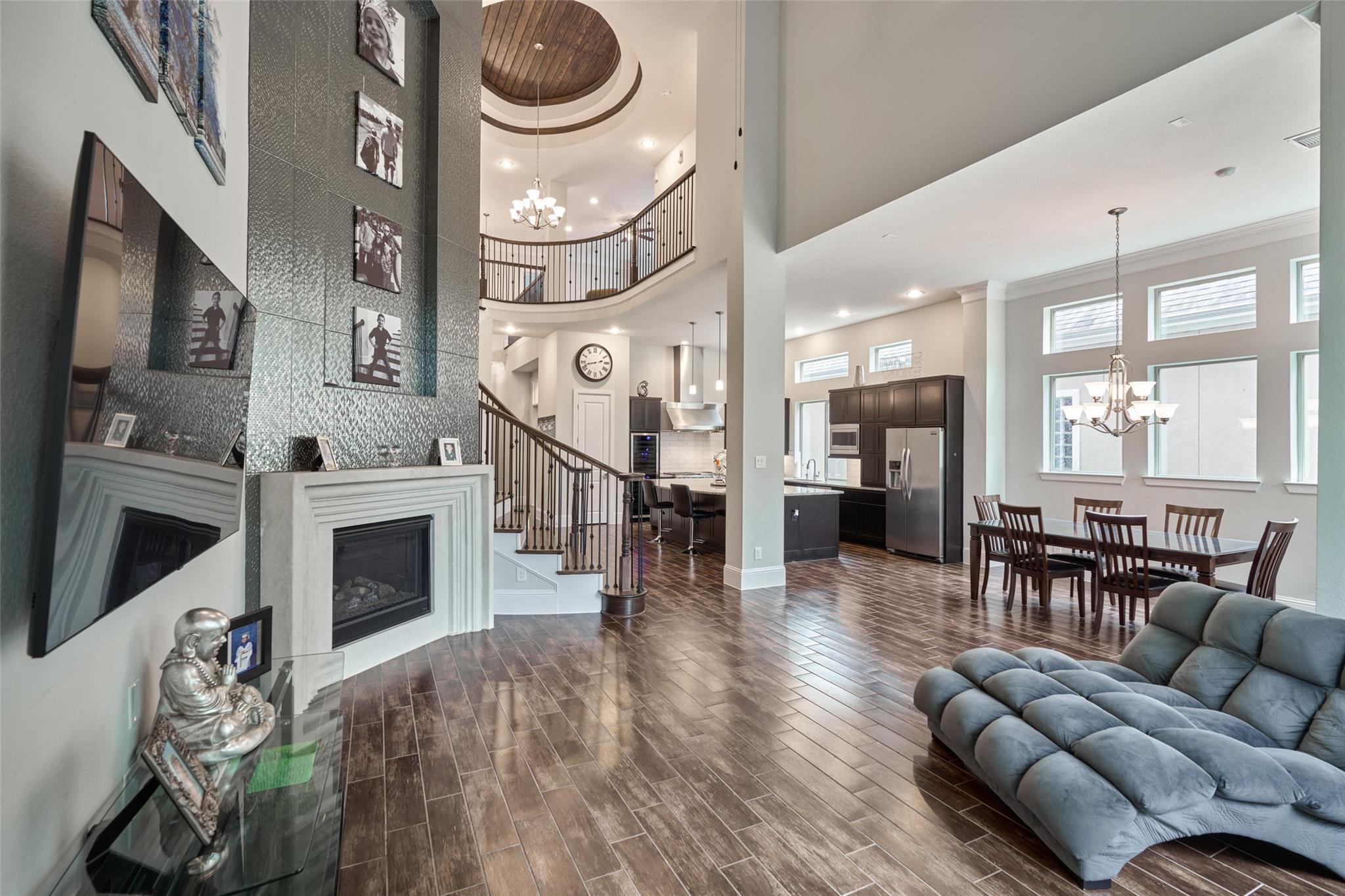 222 Sonoma Court Property Photo - Shenandoah, TX real estate listing