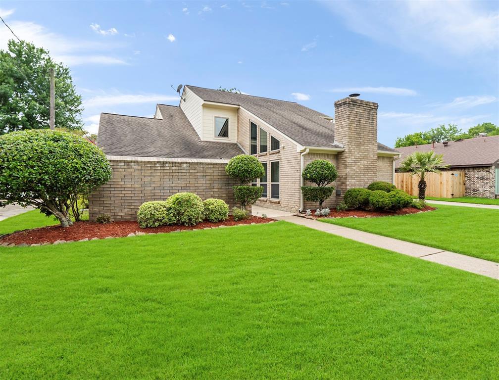 3907 Trailwood Drive Property Photo - Baytown, TX real estate listing