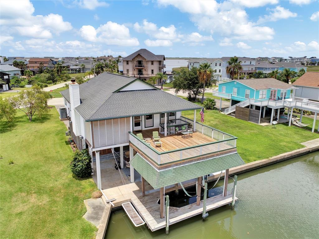 1031 Tiki Drive Property Photo - Galveston, TX real estate listing