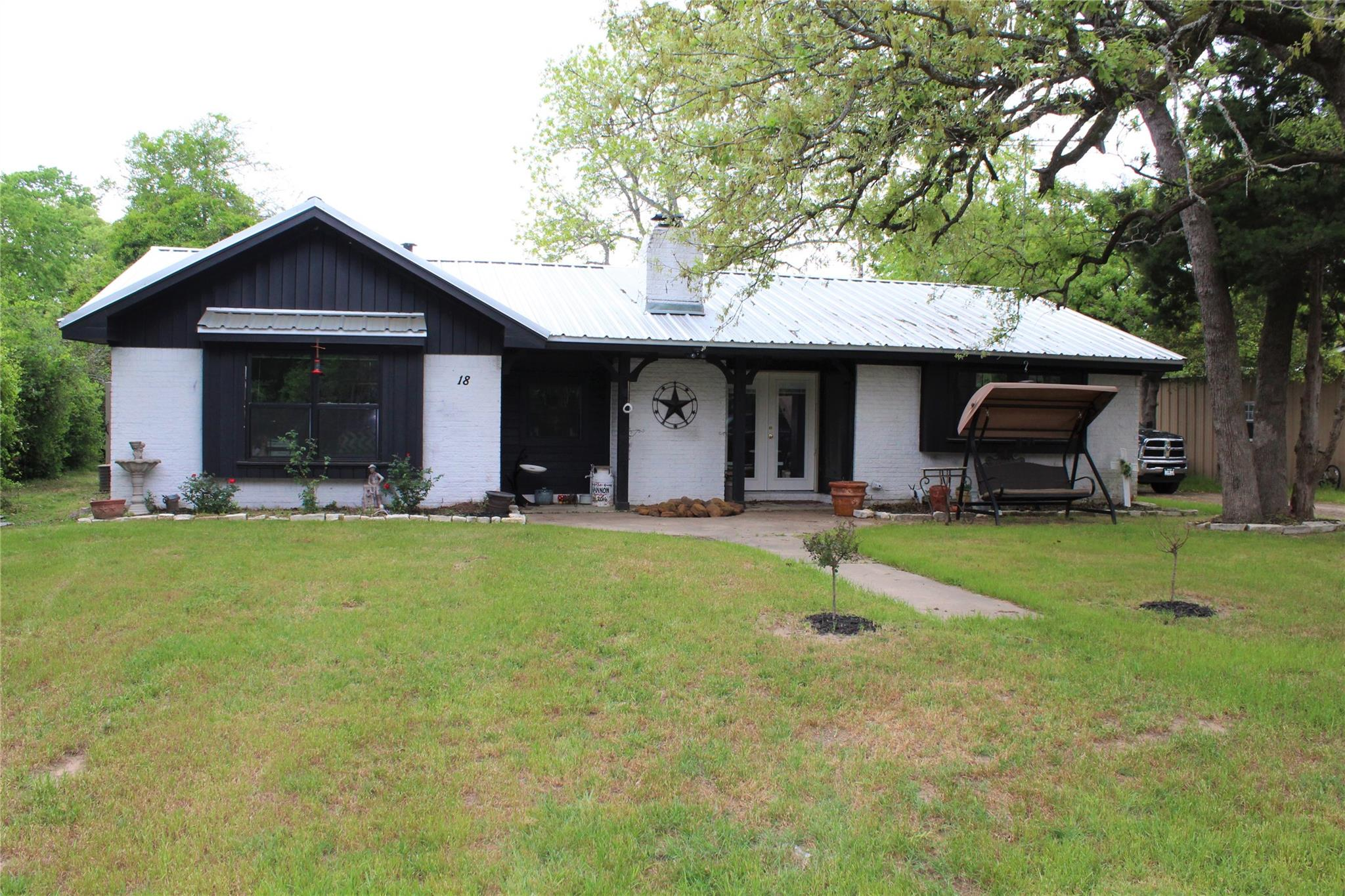 18 Eden Rock Property Photo - Hilltop Lakes, TX real estate listing