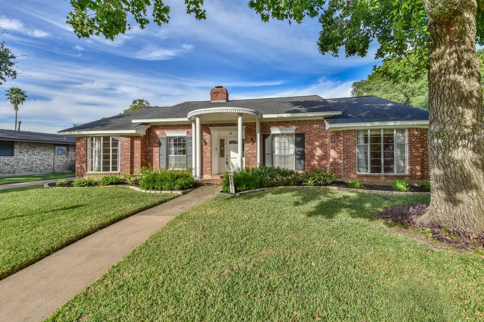 18223 Nassau Bay Drive Property Photo - Houston, TX real estate listing