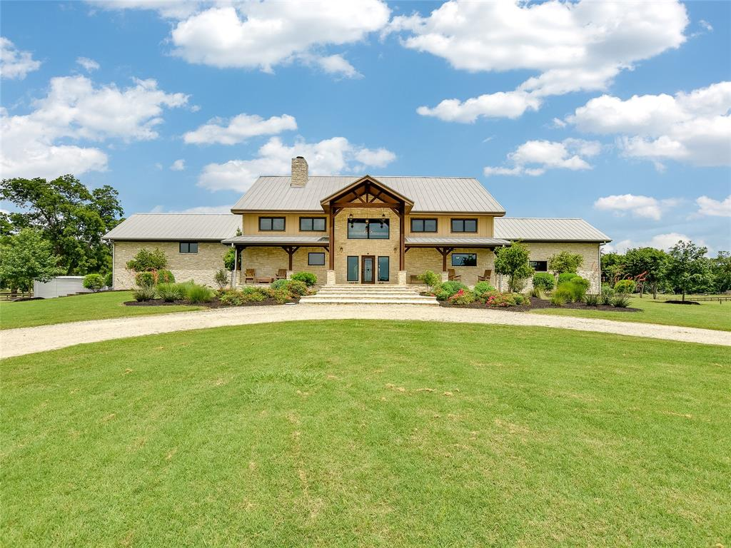 1000 River Trace Drive Property Photo - Columbus, TX real estate listing