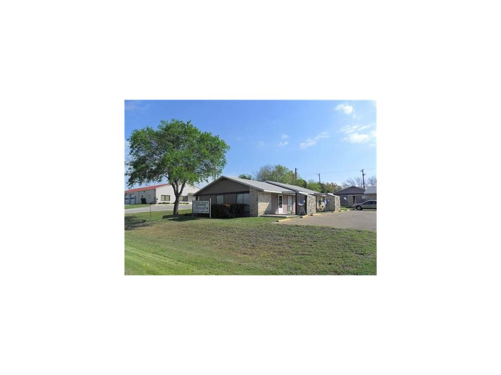 400 Brewster Avenue Property Photo - Florence, TX real estate listing