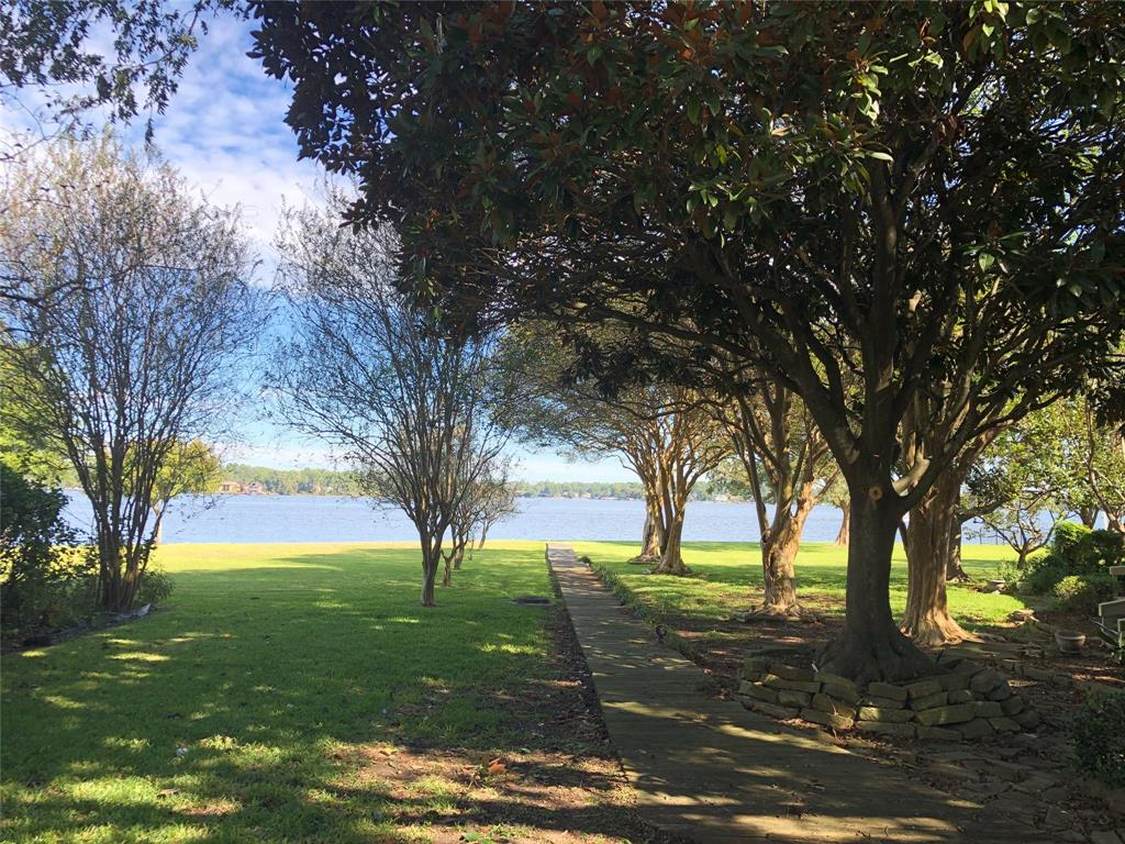 18 April Point Drive N, Montgomery, TX 77356 - Montgomery, TX real estate listing