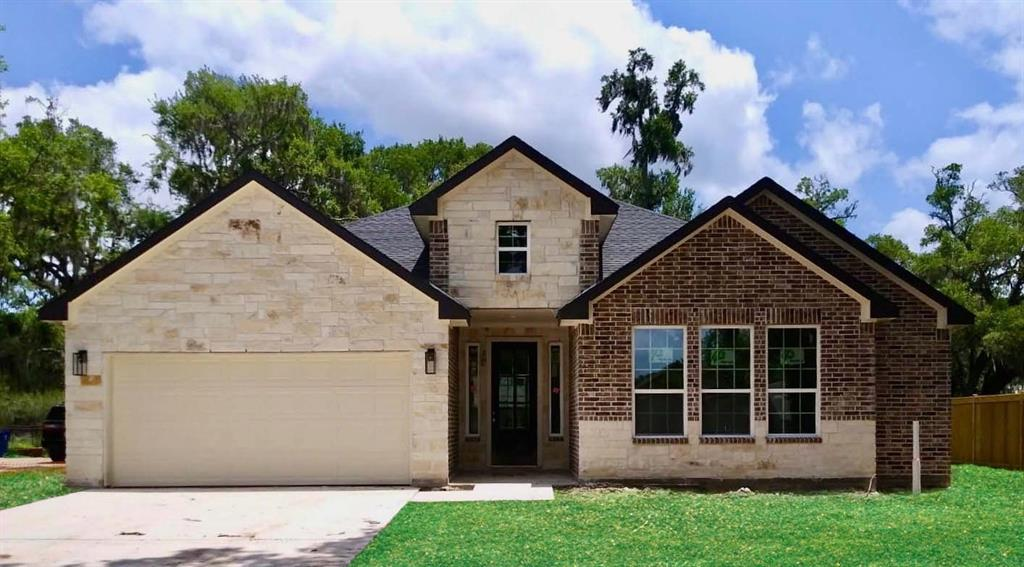 2105 Riverside Drive, West Columbia, TX 77486 - West Columbia, TX real estate listing