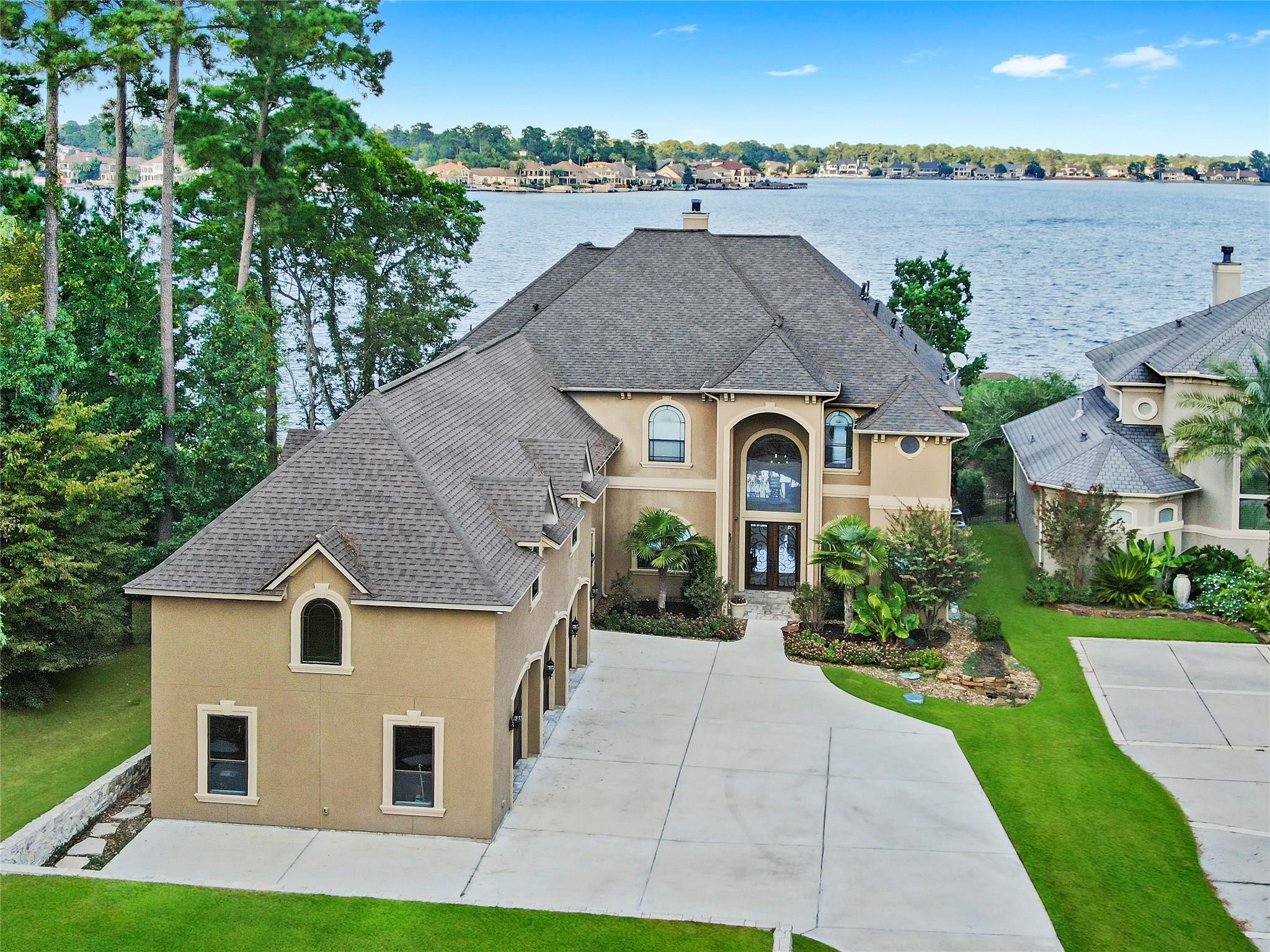 11338 Harbor Breeze Drive Property Photo - Montgomery, TX real estate listing
