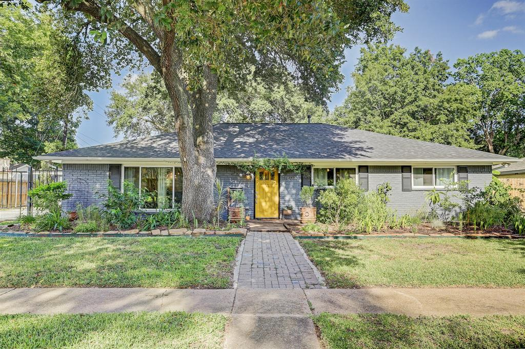 11607 W Ashcroft Drive Property Photo - Houston, TX real estate listing