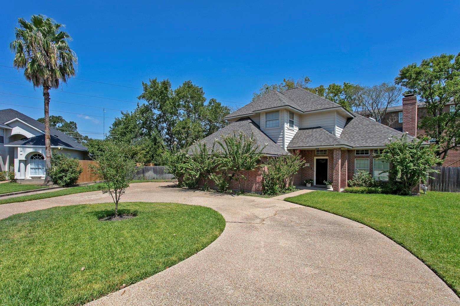 203 Chimney Hill Circle Property Photo - College Station, TX real estate listing